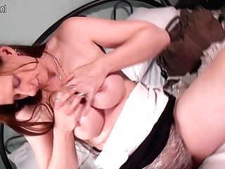 Horny Housewife Masturbating On Her Couch - Maturenl