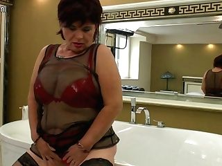 Horny Matures Tramp Playing In The Bathroom - Maturenl