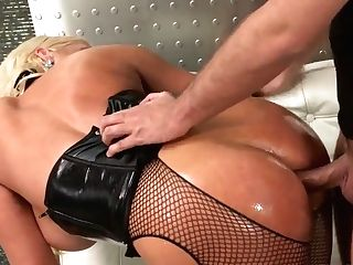 Luxury Alura Jenson Lets This Fat Sausage Truly Deep In!
