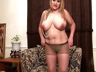 Cougar Mia Jones Strips And Plays, Big Tits