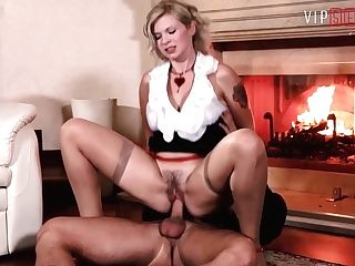 Vipsexvault - Blonde Cougar Barbara Nova Fucked Hard By A Man From A Soiree