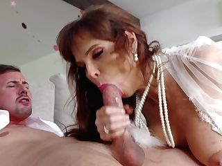 Truly Stunning Mummy Syren De Mer Is Ready To Take Salami Into Her Mouth For Bj