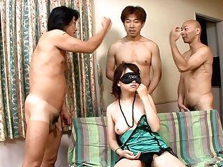 Blinded Japanese Woman Naho Kojima Is Ready For Perverted Blowage Marathon