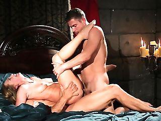 Wondrous Nymphomaniac Carter Cruise Flashes Tits Before Taking Hard Double Penetration